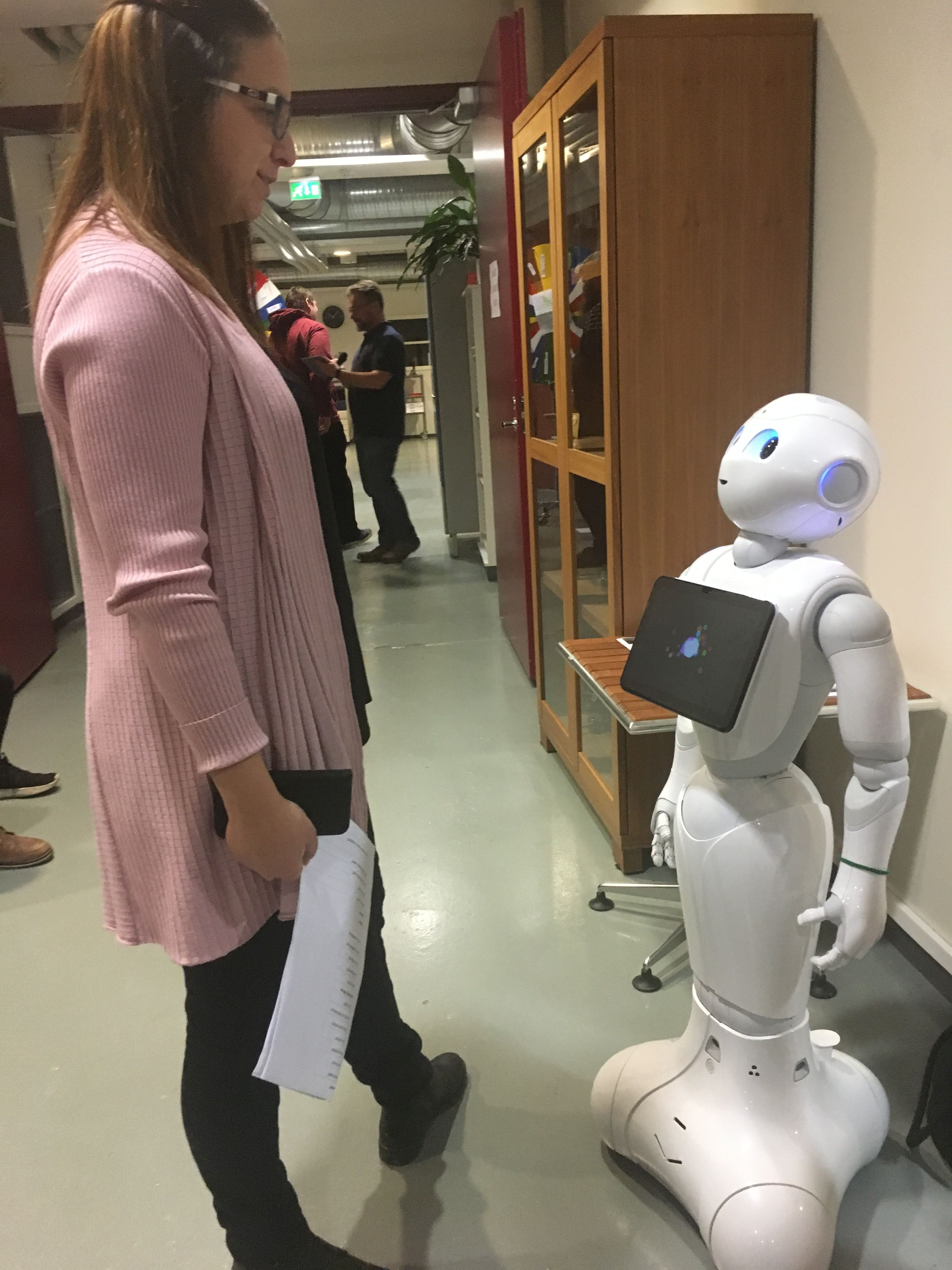 Pepper robotti jutusteli englantia